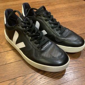 Veja V-10 Classic Black Leather Sneakers